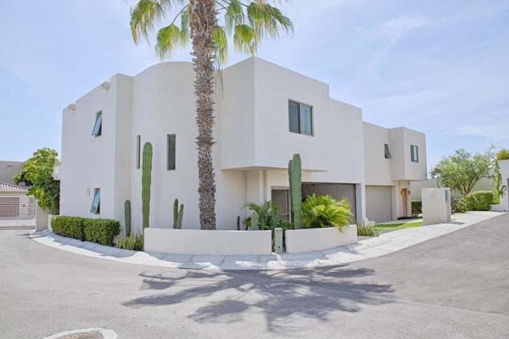 Casa Armitage - Casa Mexicana - Cabo Corridor