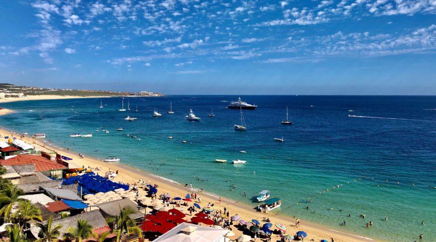 Tienes que visitar estas 5 playas cuando estés en Los Cabos.