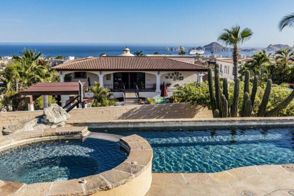Casa Kira - Rancho Paraiso - Cabo Corridor